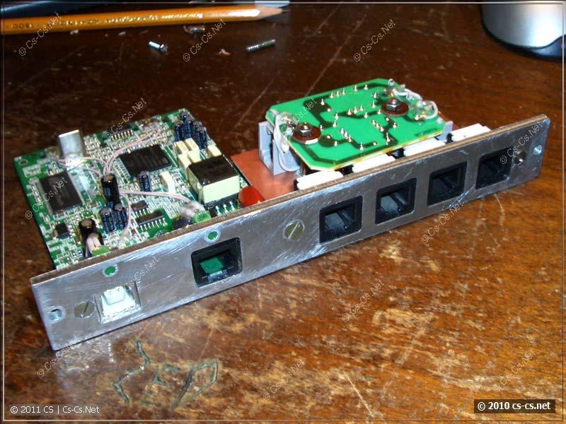 Готовая ADSL-часть со сплиттером и модемом: вид спереди