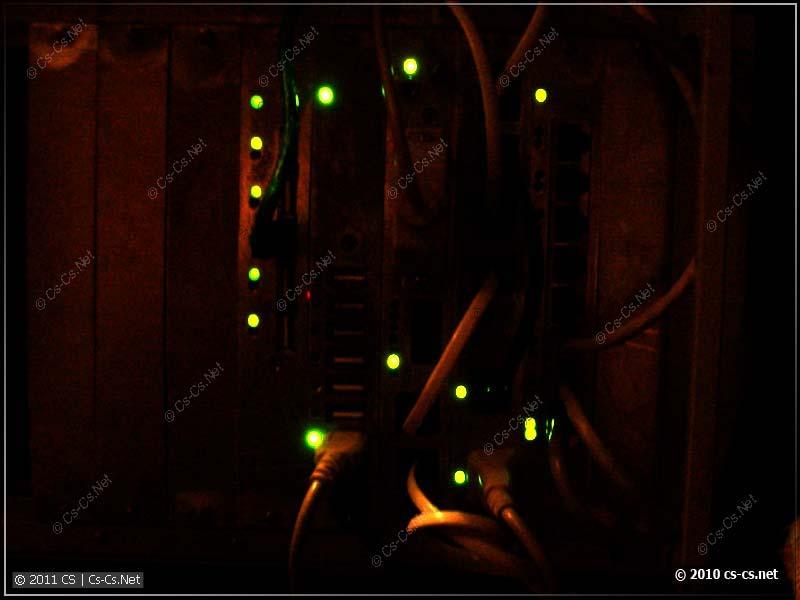 Светодиоды красиво и радостно светятся в темноте