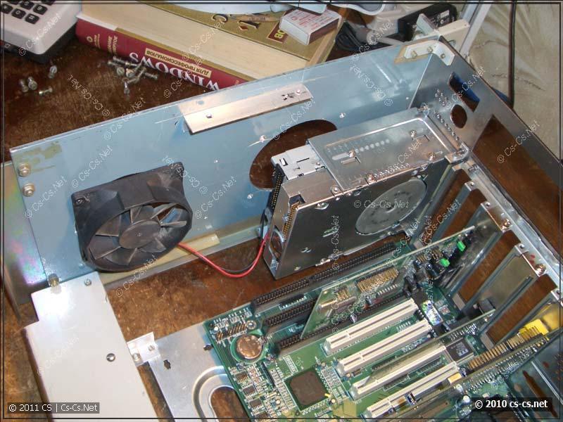 Флоппи-дисководы ставятся в штатную корзину