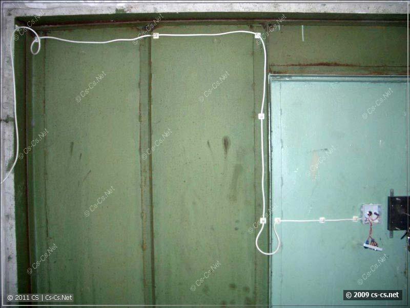 Подводка кабеля на клеющих площадках