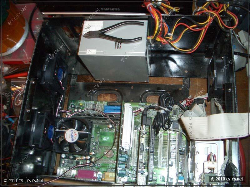 Внутри сервера довольно просторно