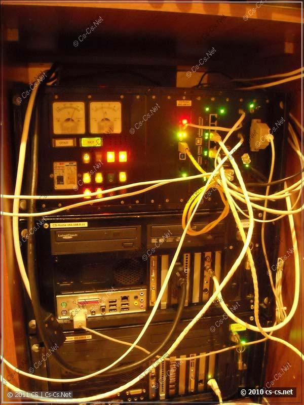 Провода из старой версии тумбы перед их упаковкой