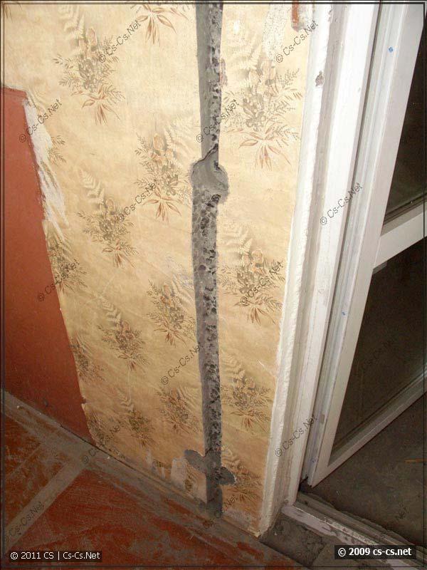 Штроба на балконе и материал его стен