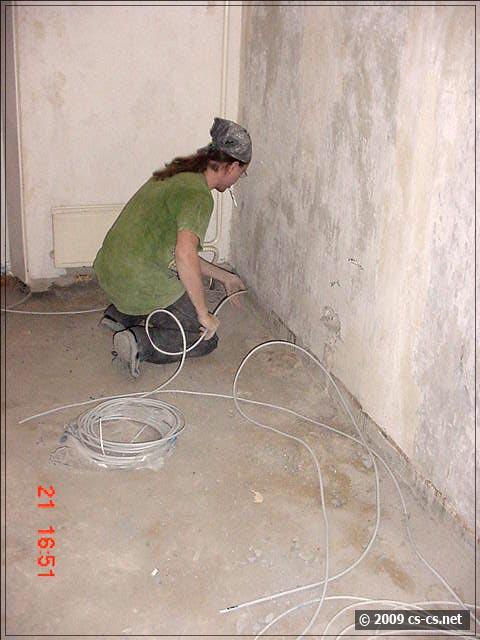Проверяем и раскладываем кабели по будующим линиям