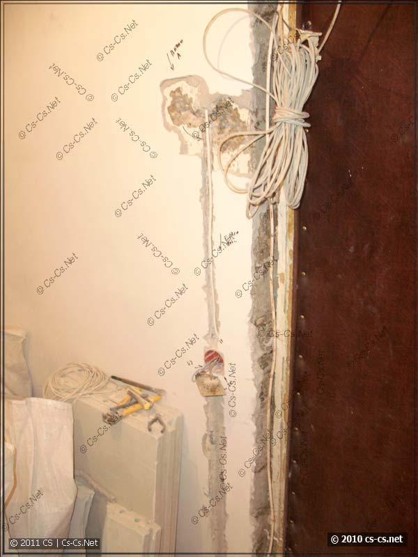 Креативный фен-шуй у входной двери с домофонами
