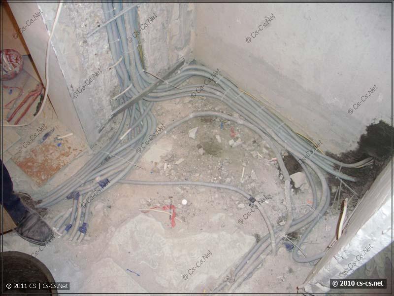 Укладка кабелей в полу - ровно и аккуратно