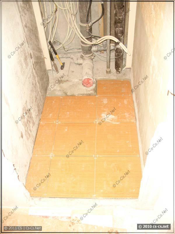 Укладка плитки на пол туалета