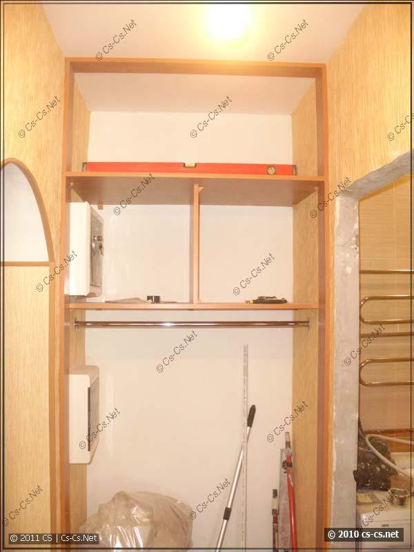 Внутренности и компоновка будущего стенного шкафа