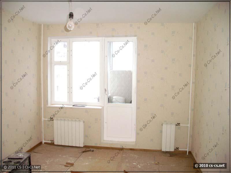 Вид на окна и отопление зала