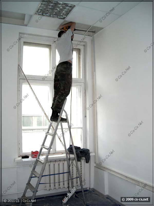 Сверление отверстий в межкомнатных стенах