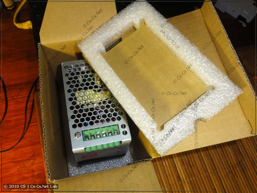 Мощный и компактный блок питания Mean Well SDR