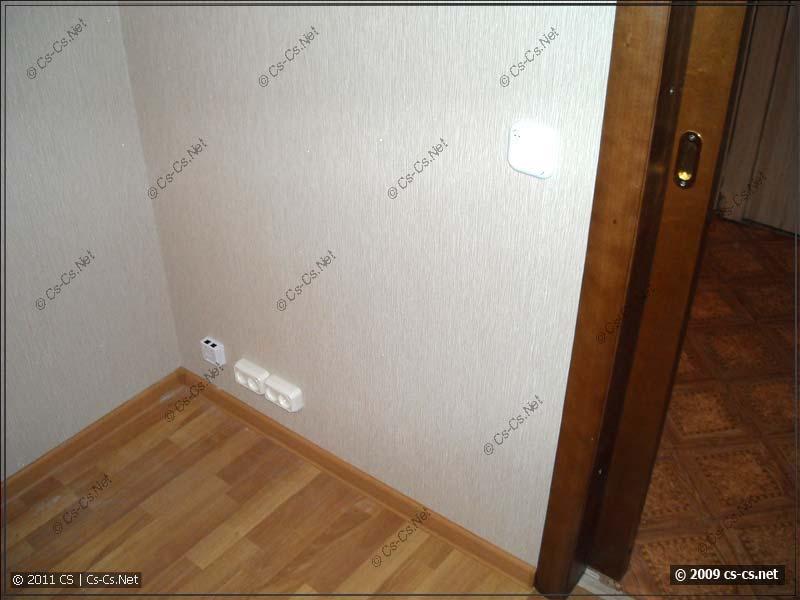 Готовая стена с установленными розетками