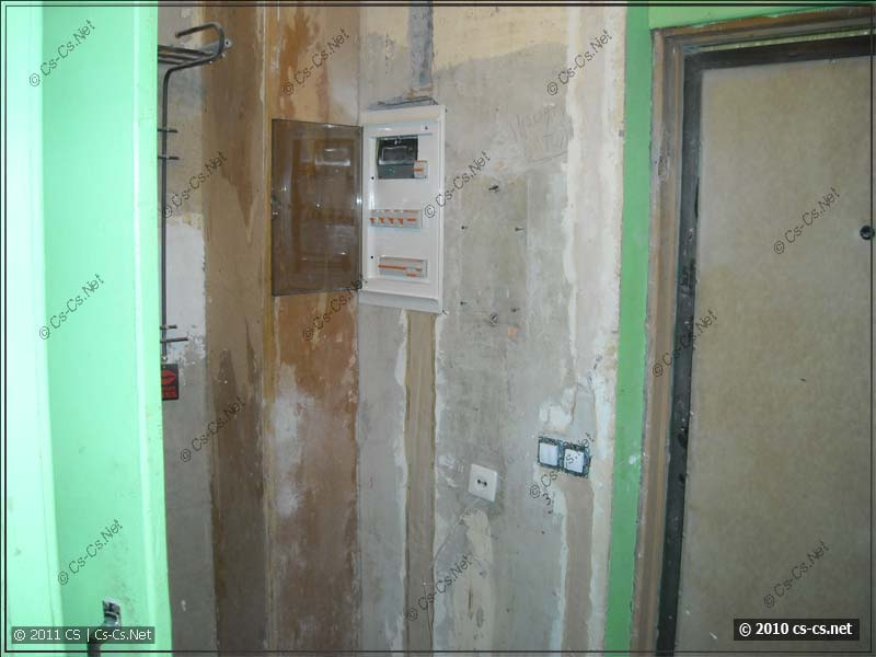 Старый щиток демонтирован, квартира переключена на новые линии
