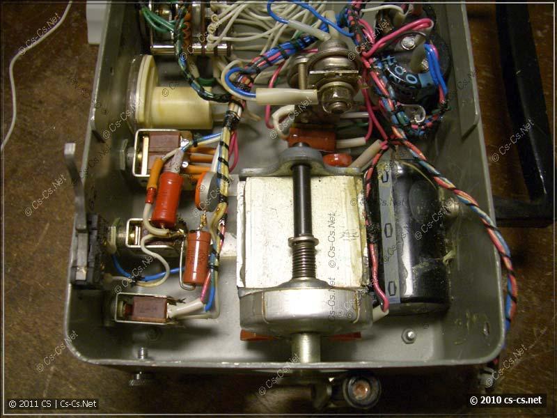 Вид на высоковольтную часть схемы с динамкой и накопительными конденсаторами