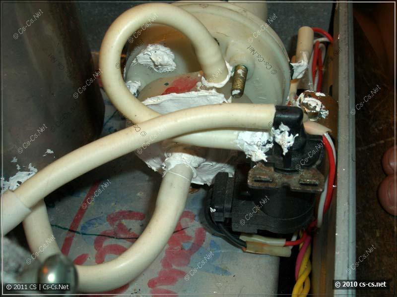 Вид на переделанный насос и клапан подачи жидкости