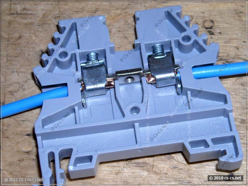 Клеммники на DIN-Рейку: зажим провода
