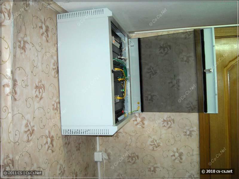 Вид на шкаф сбоку - получился тонкий и небольшой