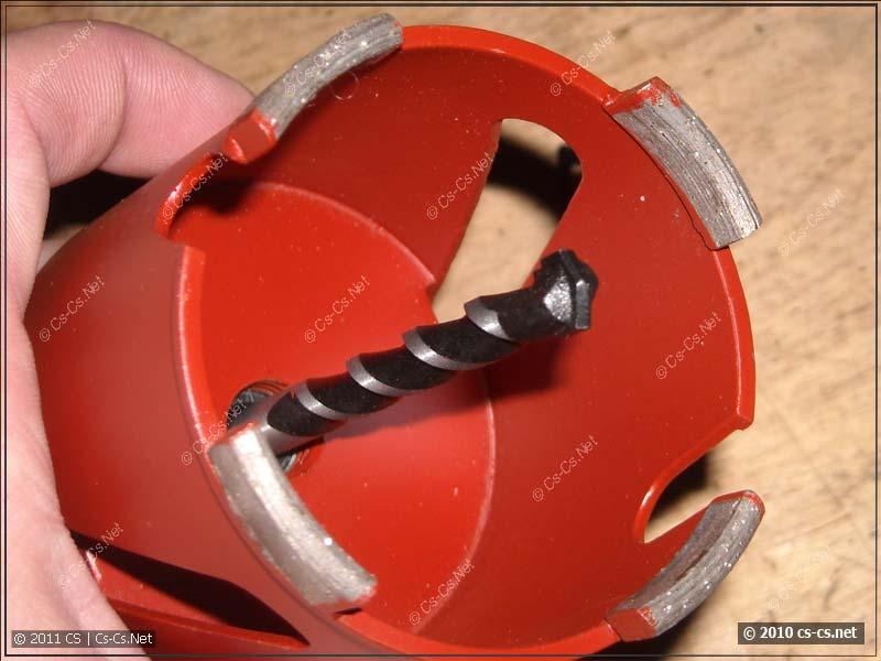 Внутренности и режущая часть алмазной коронки
