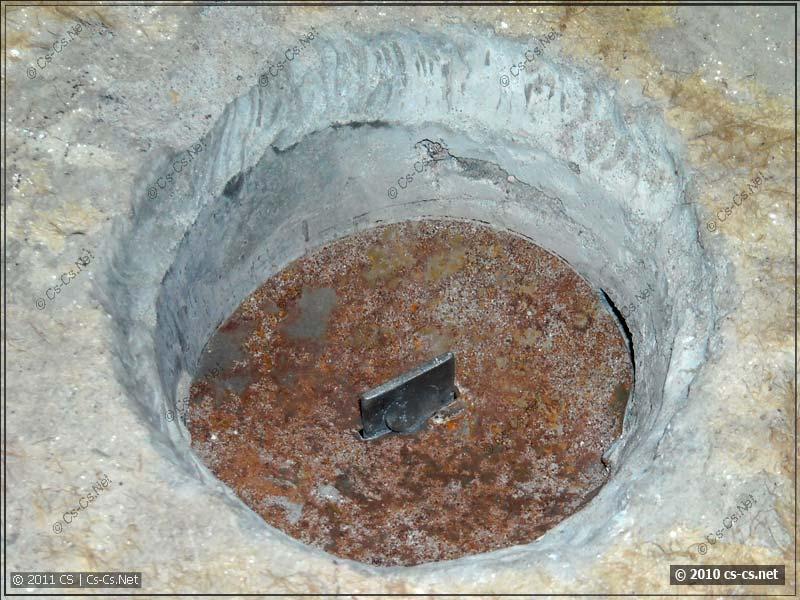 Крепление крюка для люстры в полу панельных домов
