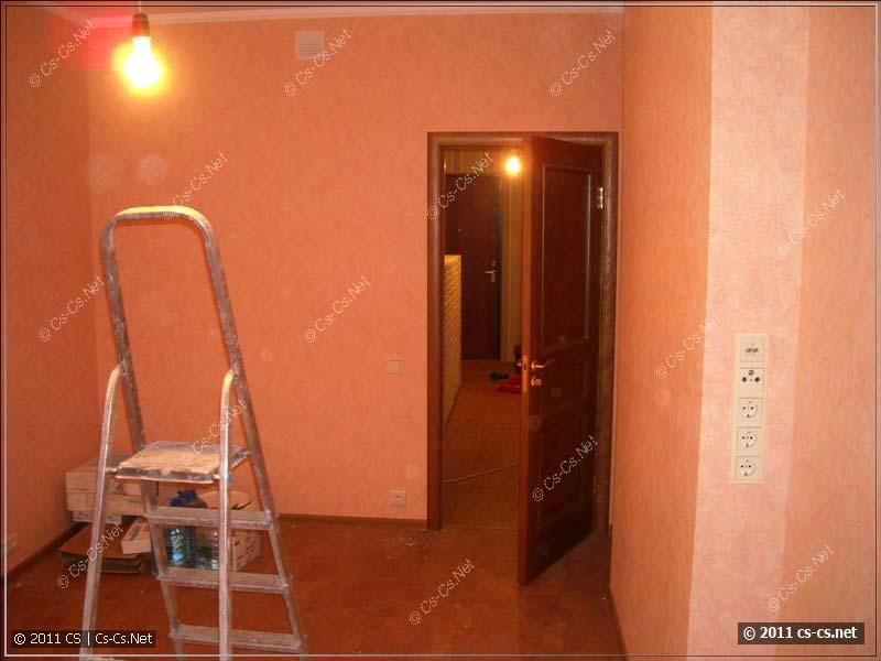 Комната второго этажа, розетки стоят