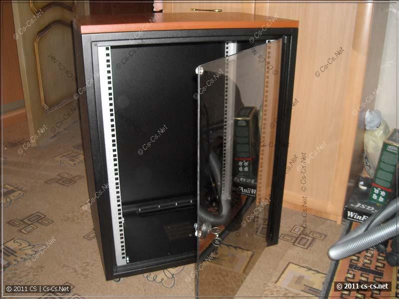 """Рэковый (19"""") шкаф ZPAS для домашнего оборудования"""