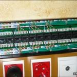 Все кабели расшиты в патч-панель