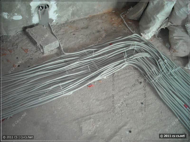 Мега-кабели: силовые линии в прихожей