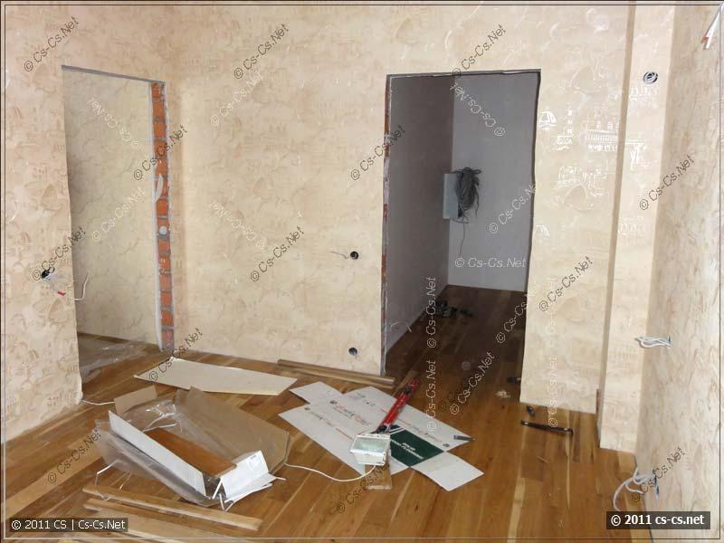 Спальня и гардеробная (где стоит слаботочный щиток)