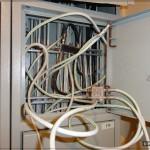 Заподлянский трэш в этажном щитке (TV-кабели)