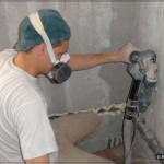 Изготовление штроб при помощи штробореза