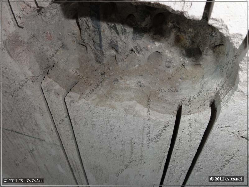 Прорези в стене от дисков штробореза