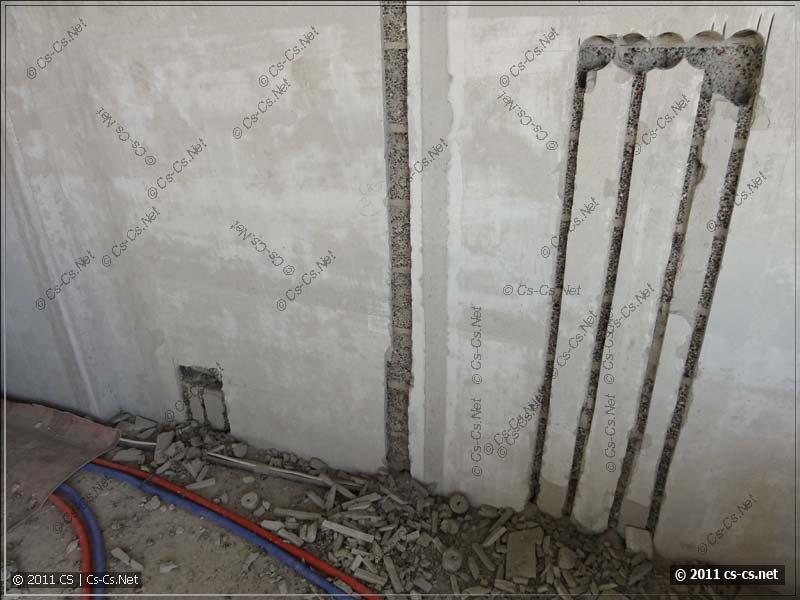Результат: выбитые отверстия и штробы для укладки кабелей
