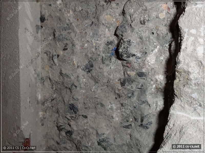 Штроба в бетоне выполнена без вскрытия основной арматуры