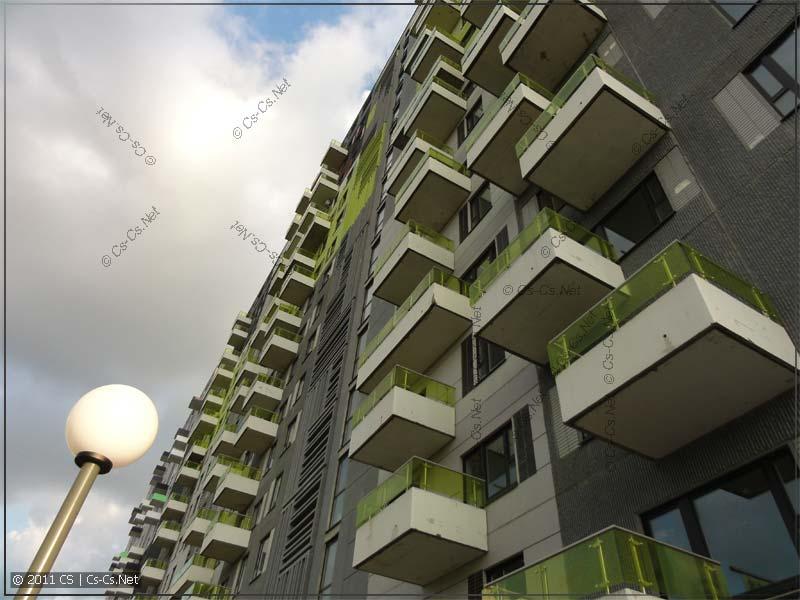 Вид на жилые дома - HiTech-дизайн
