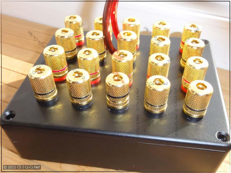 Панель с аудиотерминалами готова к установке