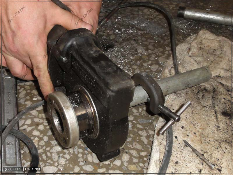 Электрический клупп REMS для нарезки резьб