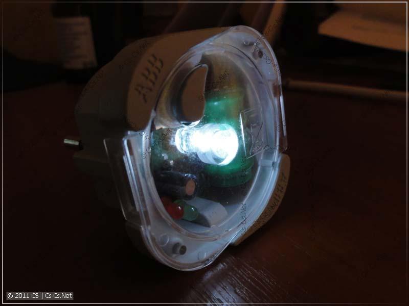 Лампа ABB LEE 230: Включено питание лампочки