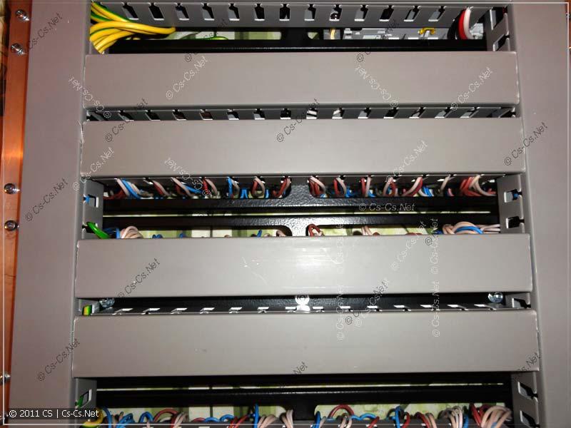 Отдельные провода аккуратно заходят в нужные места щитка