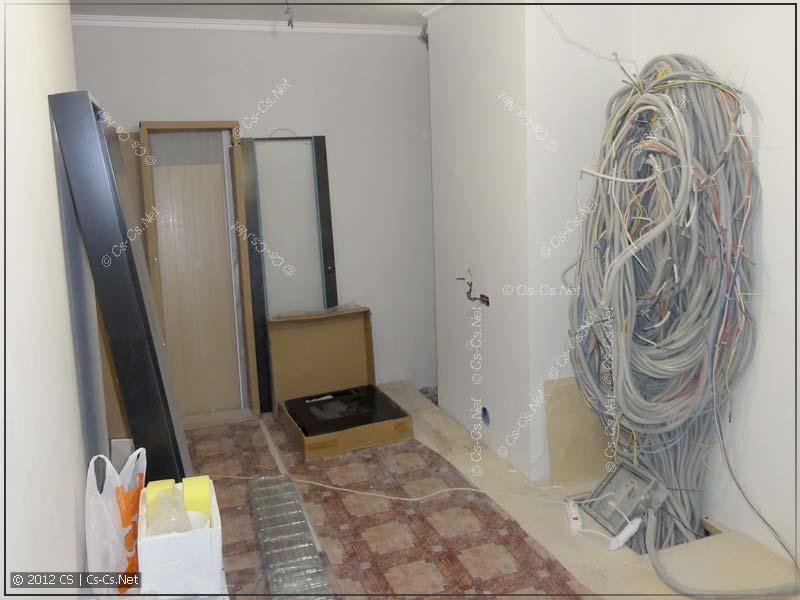 Начало установки рэкового шкафа: ктулху из кабелей