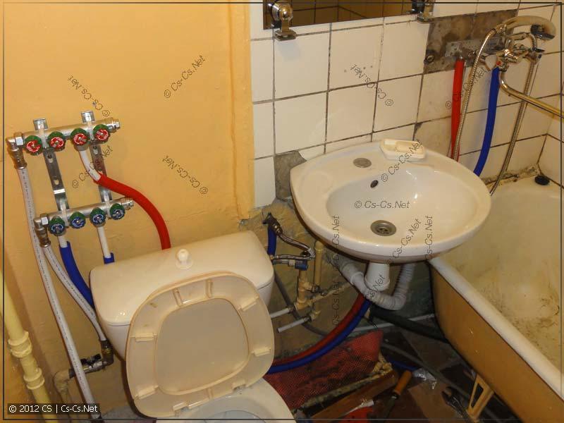 За остаток дня делаем разводку воды на унитаз и смеситель