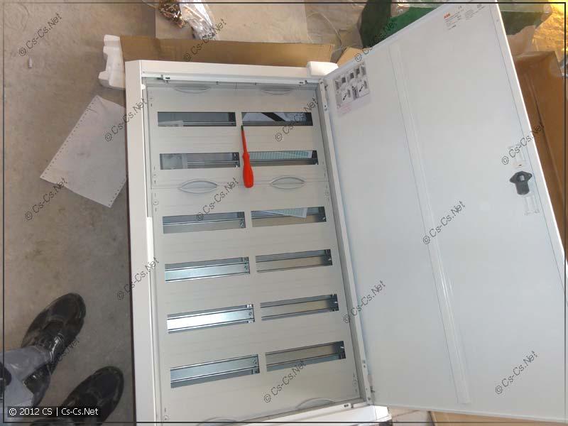 Щиток ABB U62 для монтажа электрики