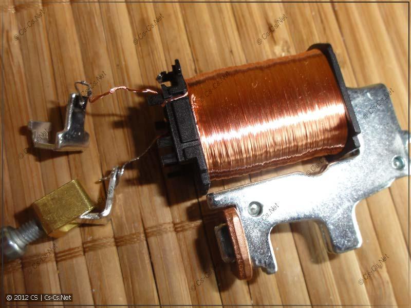 ABB E251-230: Электромагнит управления