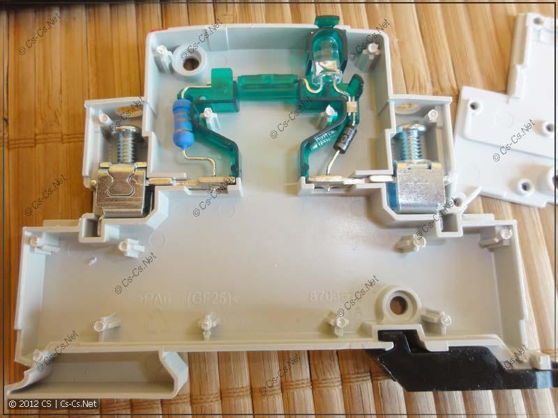 Внутренности светодиодной лампы E219-D