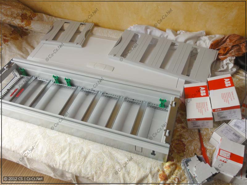 Щиток ABB U61: распаковываем, раскладываем комплектующие