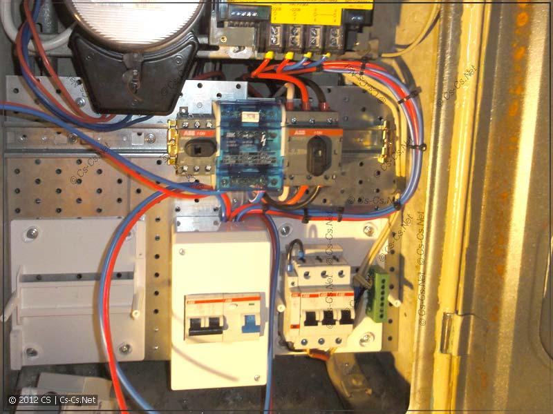 Окучиваем соседские провода и подводку к счётчику стяжками