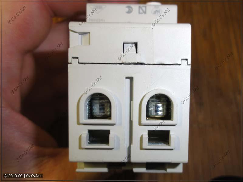 Двойные зажимы УЗО для подключения двух проводов одновременно