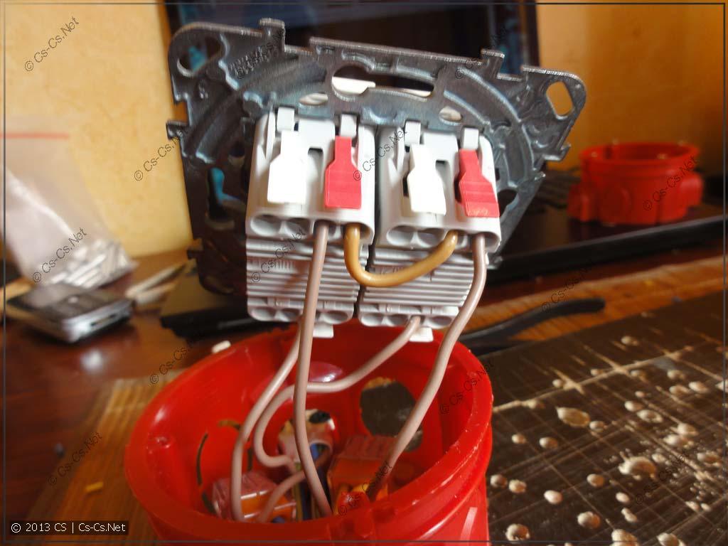Фазу можно взять со свободной дырки выключателя