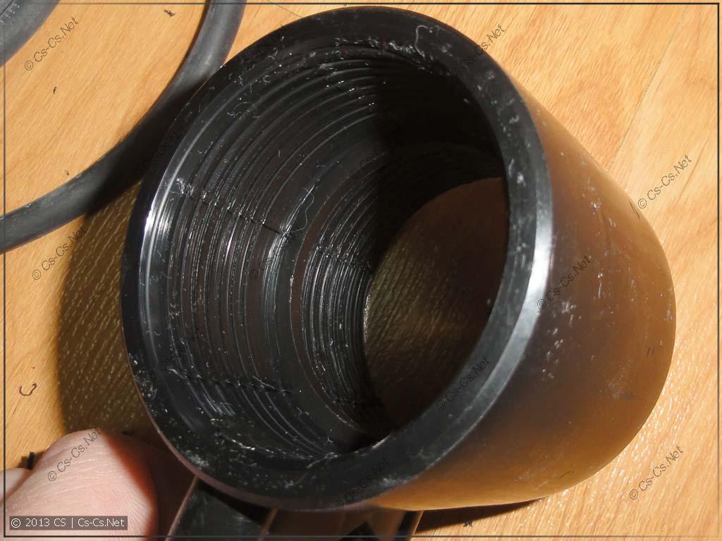 Внутри муфты - нихромовая спираль-нагреватель