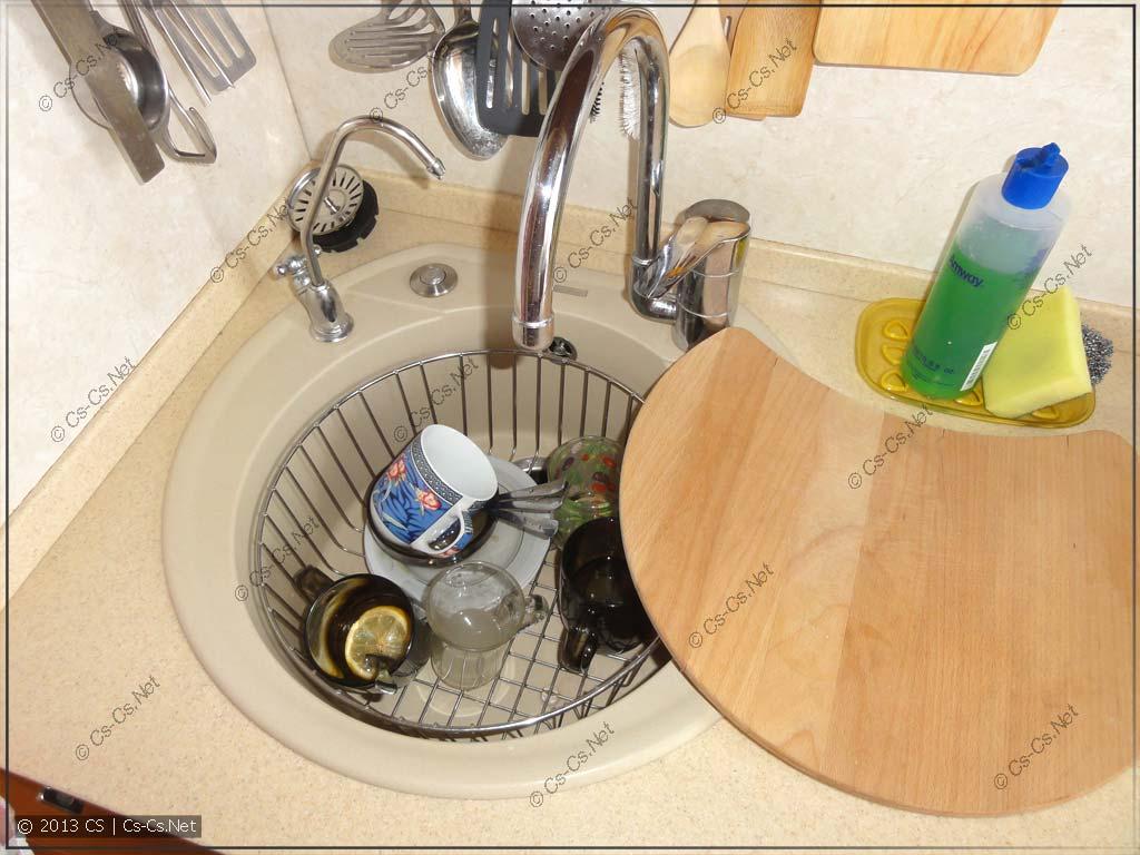 Мойка Blanco с аксессуарами: корзиной для посуды и доской