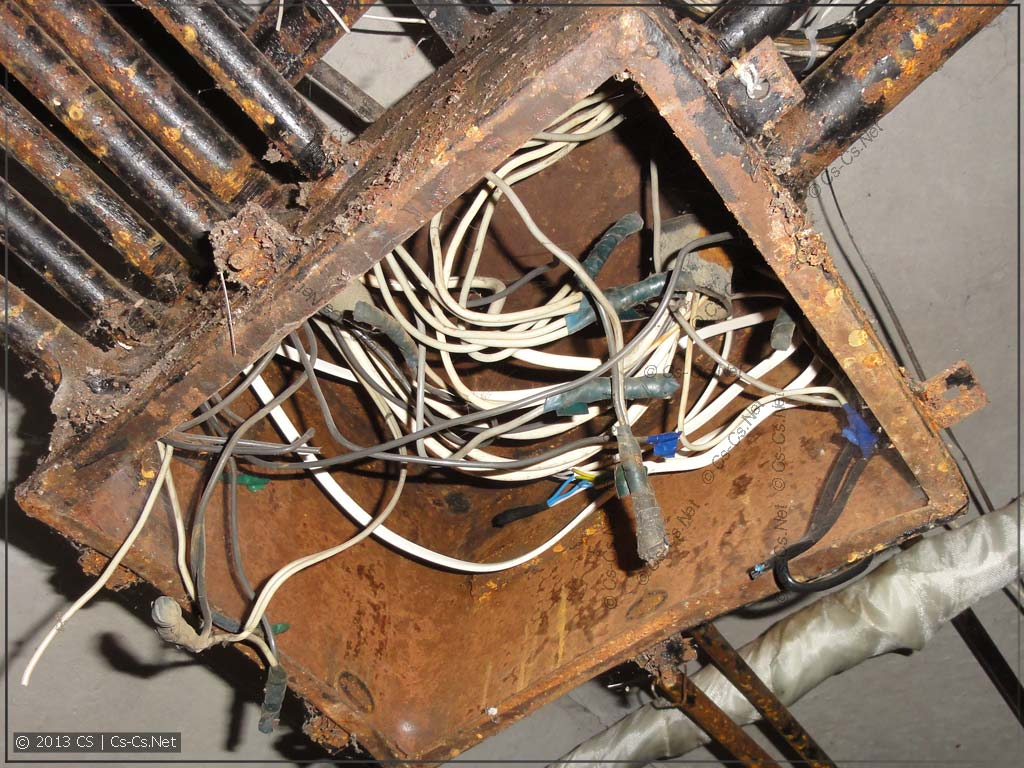 Питание этажных стояков в подвале дома (скрутки вместо орехов)